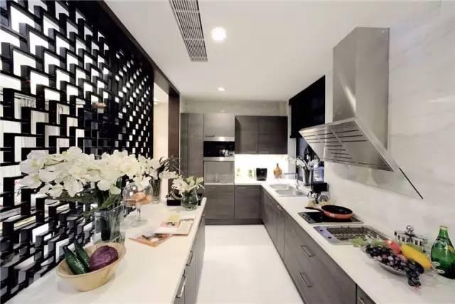 沈阳厨卫翻新|厨卫的防水要做好,墙砖才不会掉,装修改造前都看看吧