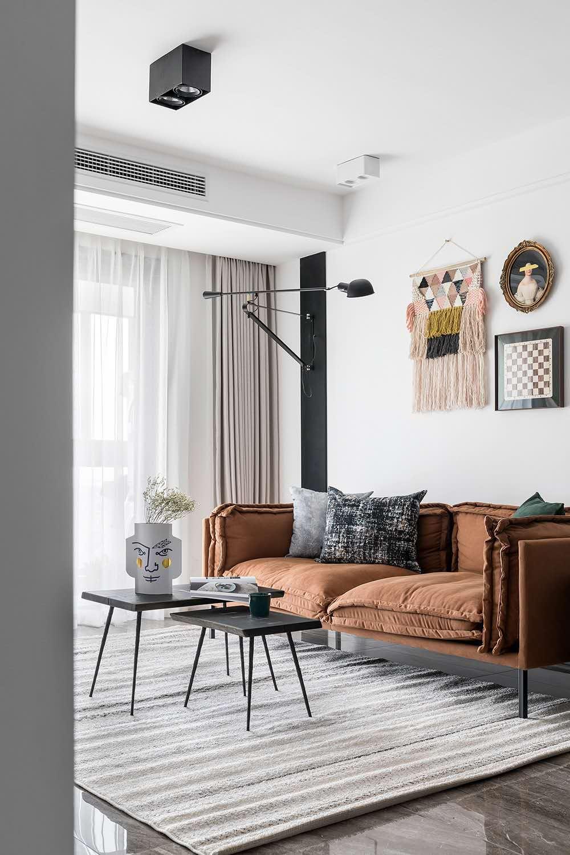 业主喜欢家里有一点复古的感觉,应该是明亮的,温馨的,干净的,颜色上不喜欢太深的颜色,不喜欢为了做什么风格而做的设计,总之不要用力过猛,自然点。