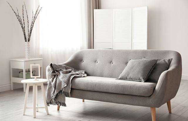 选布艺沙发还是真皮沙发好?对比一下再做选择会更好