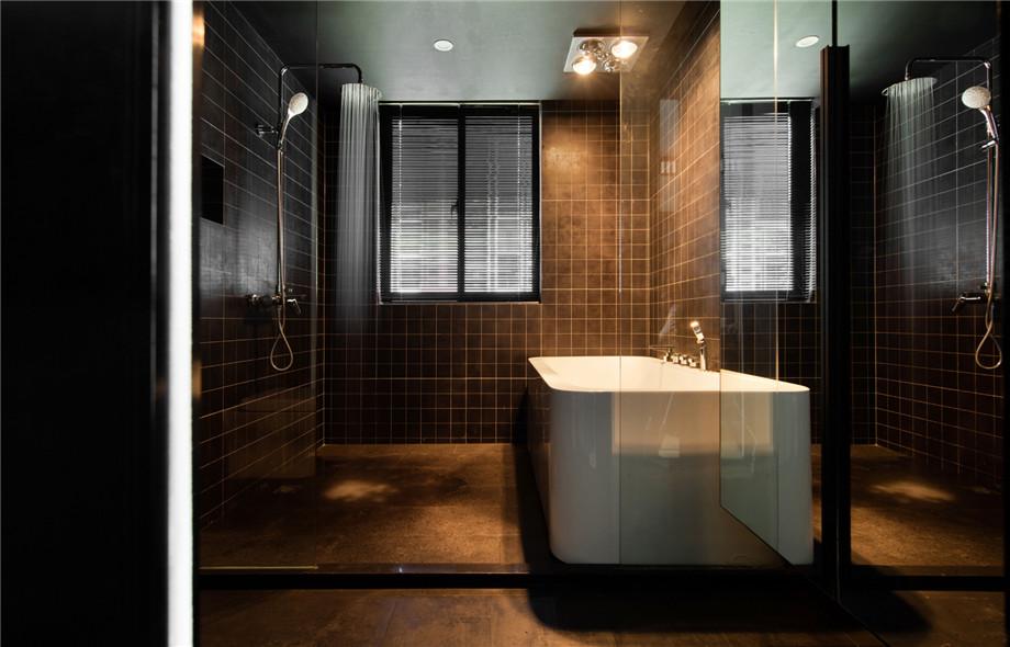 浴室镜还只是一块玻璃?别人家的能收纳还能监测温度
