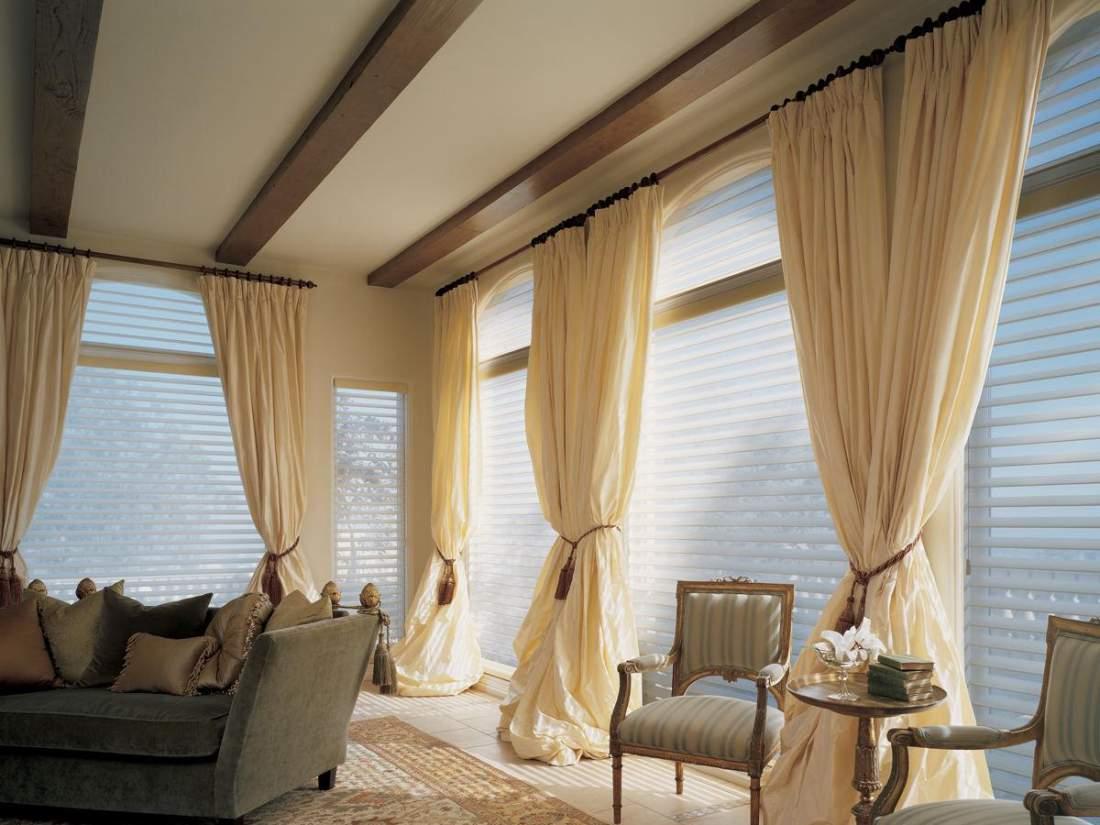 装窗帘用窗帘杆还是用导轨?不清楚的话就来看下吧!