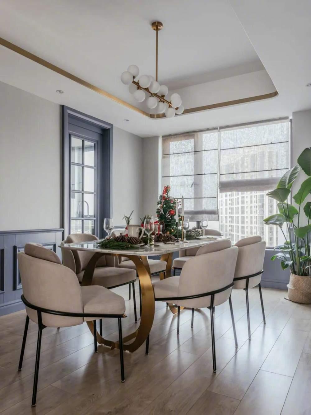 132㎡美式轻奢,墙面蓝色造型,吊顶金属线框,营造出安静华丽