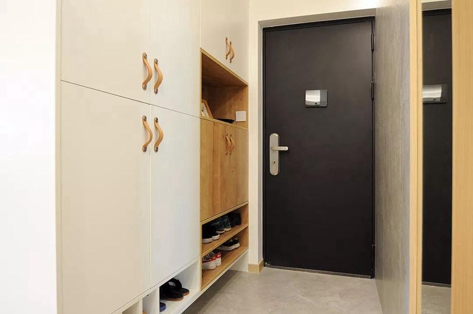 进门就看到满地的鞋子?玄关鞋柜这样做,简单又有效!
