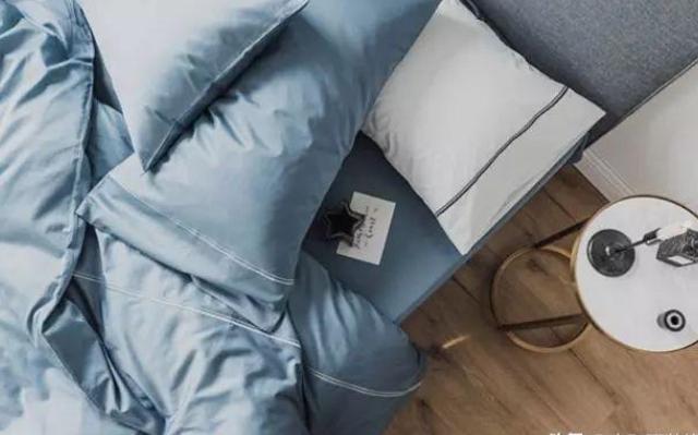 想要提高睡眠质量,在卧室装修时应该注意的6个设计技巧