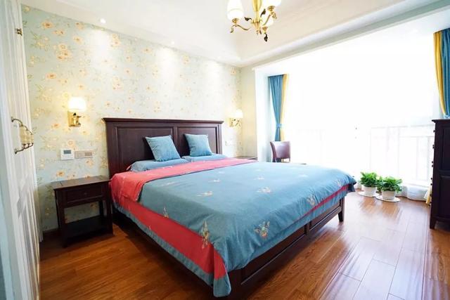 快看看你家卧室适合什么颜色的木地板