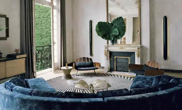 沙发摆放不一定要靠墙 这样放让客厅大一倍