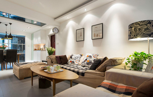 客厅装吊灯不一定就好看 射灯的视觉效果会更美