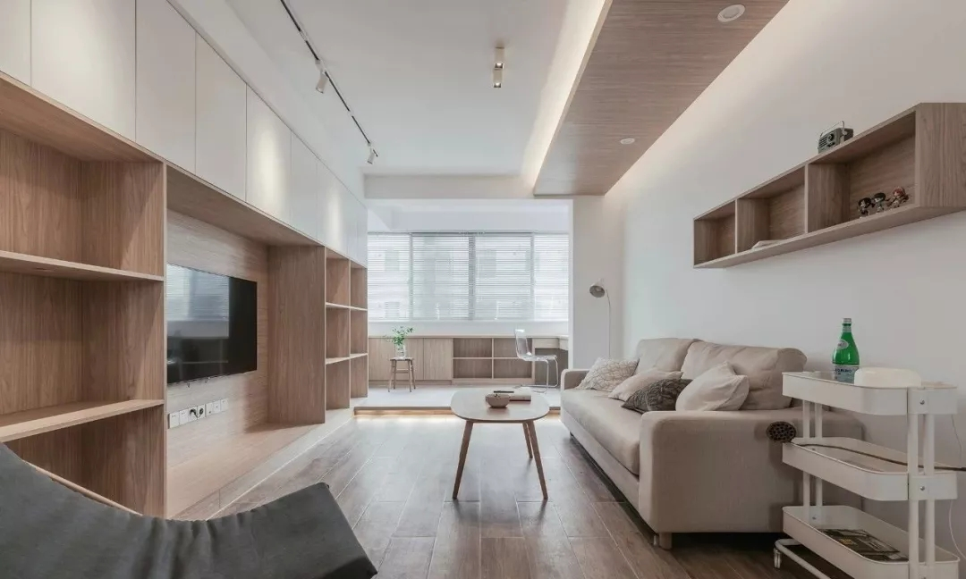 120平干净木色三室 实用整墙电视柜