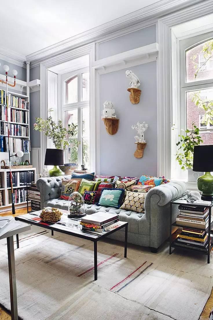 选对沙发背景墙装饰,营造舒适品味的客厅氛围