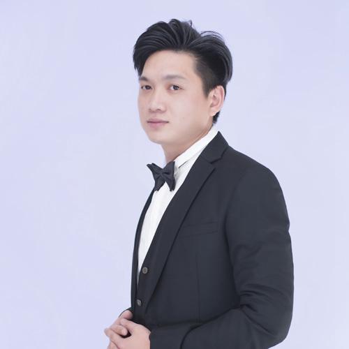 12博体育平台12博官方网站设计师鄢雪琼