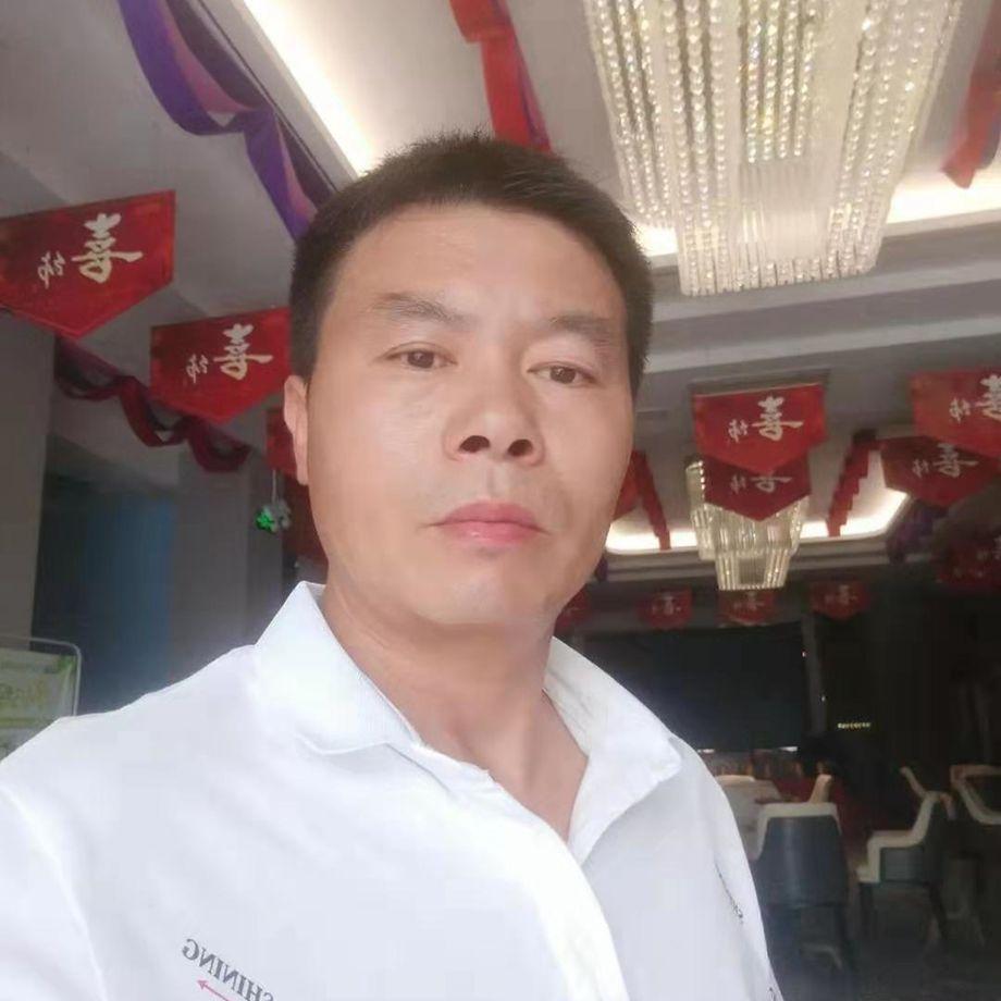 12博体育平台12博官方网站工长何红青