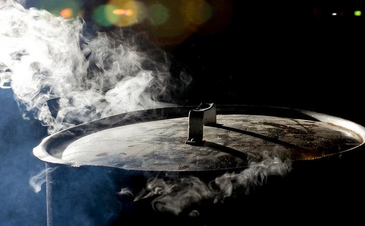 油烟机究竟选顶吸式还是侧吸式呢?