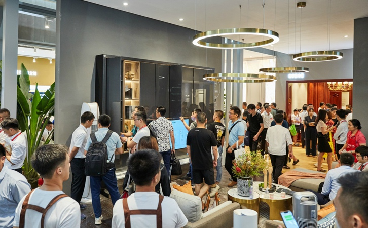直奔建筑博览会,带领菲凡-索菲亚新产品出现在广州建筑博览会上