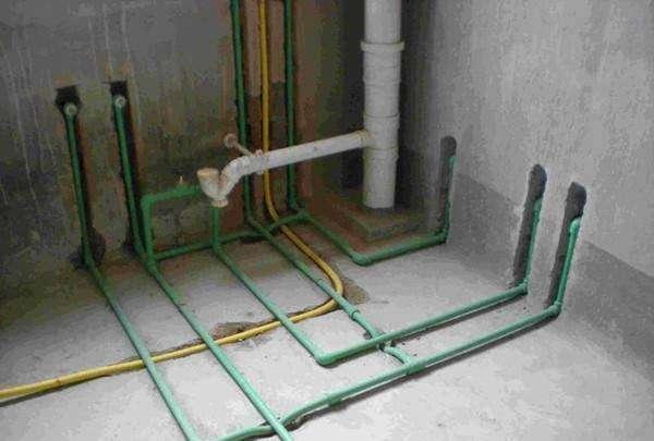 水电管应该走顶还是走地,看了你就明白了!