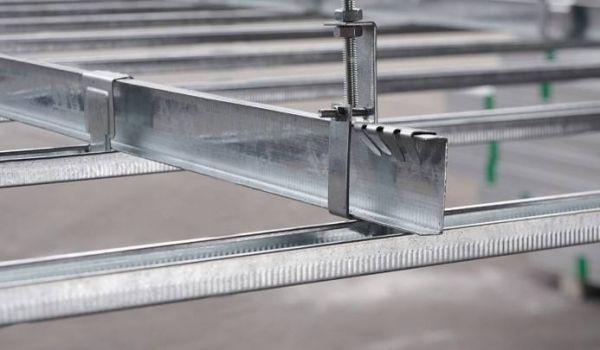 在装修中,装修材料需要选取防火材料