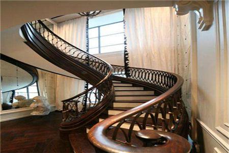 旋转楼梯扶手一般都怎么做?