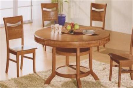 餐桌怎么选?实木好还是大理石好?