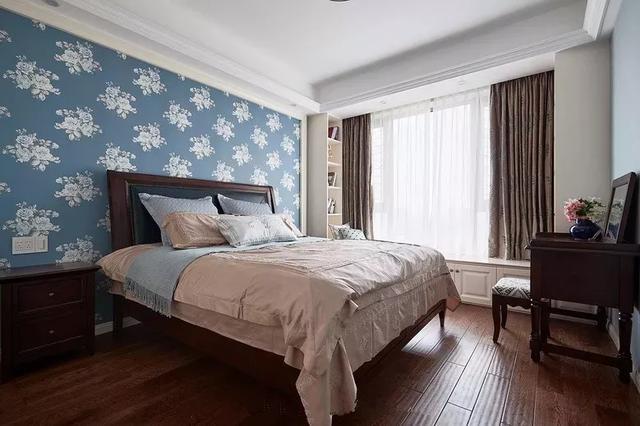 床头背景墙贴壁纸 打造一个更有趣更温馨的卧室