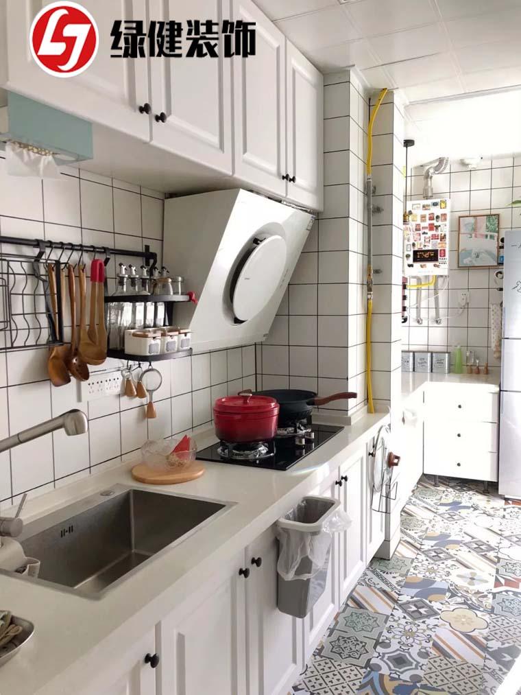 【六安绿健装饰】——小户型厨房怎么装?做好布局很重要!