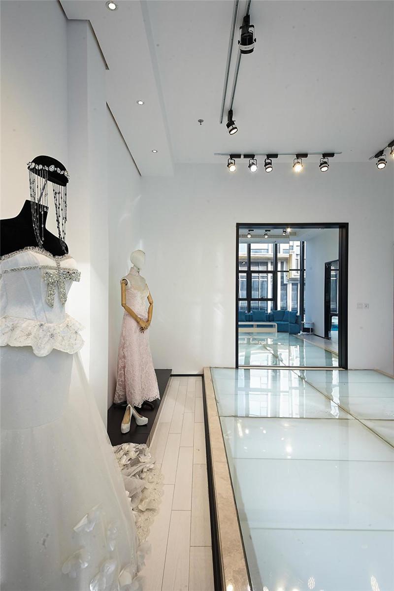 婚纱店装修案例     天恒装饰设计施工