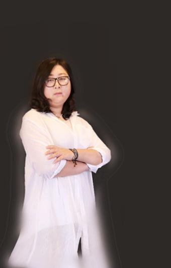 洛阳足球竞猜app亚搏设计师房薇