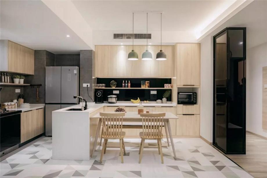 95㎡现代简约家居,原木色+灰色绝配,好一个温馨舒适的空间!