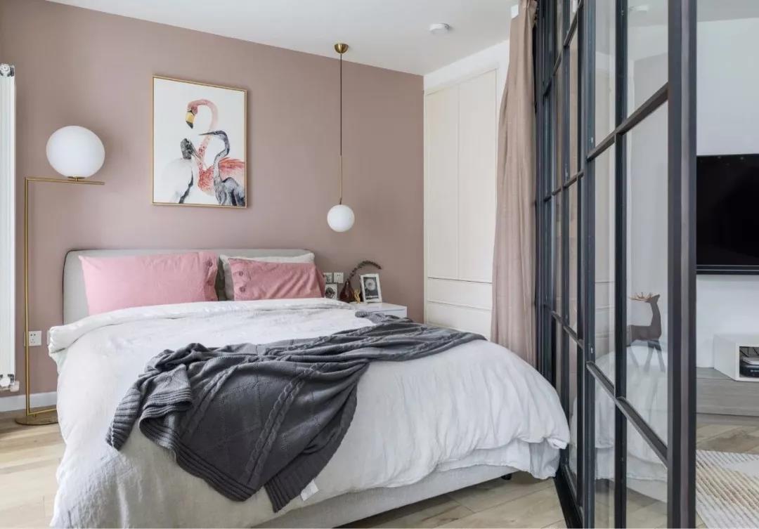 卧室简单一些就好,给人一种轻松感,住着才够惬意