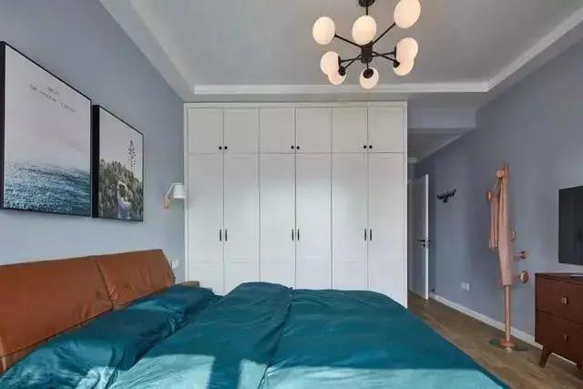 睡觉前脱下来的衣服放哪儿?你可以有这些选择!