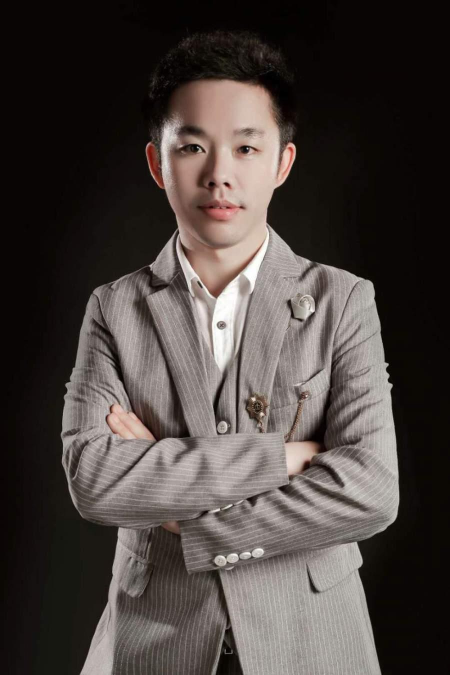 亚博体育88app官网亚博体育app苹果版设计师廖文峰