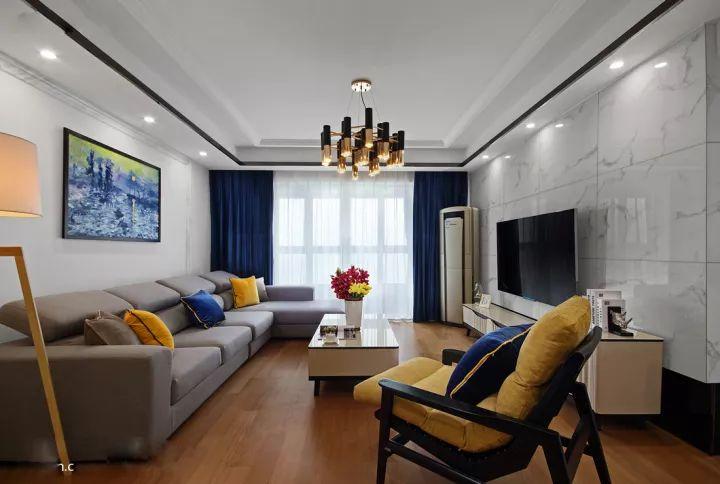 尚層空間118m2現代簡約3居室,電視背景墻簡約大氣!