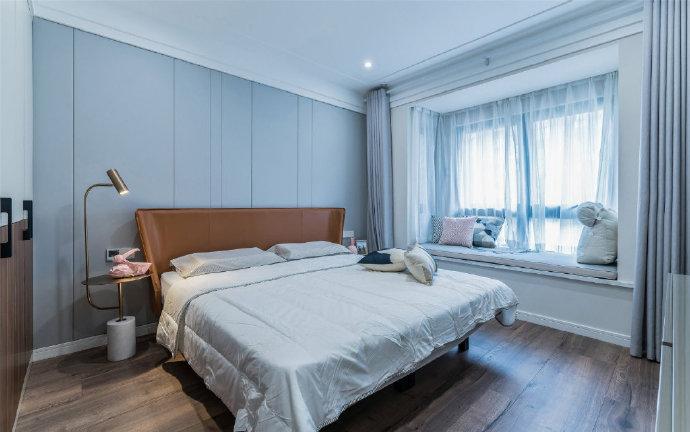 西安装修案例 115㎡现代简约三居室,色彩运用沉稳大气,造型简洁干练,很不错的设计! 
