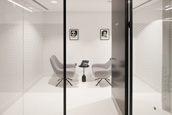 辦公桌對深圳辦公室裝修設計進行點綴的效果解析