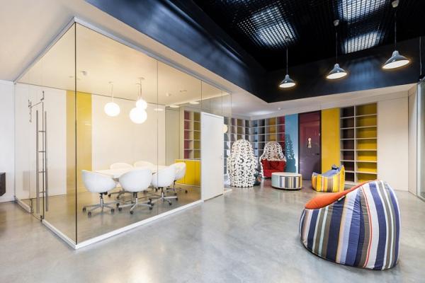大氣簡潔深圳辦公室裝修設計的整體感非常重要!