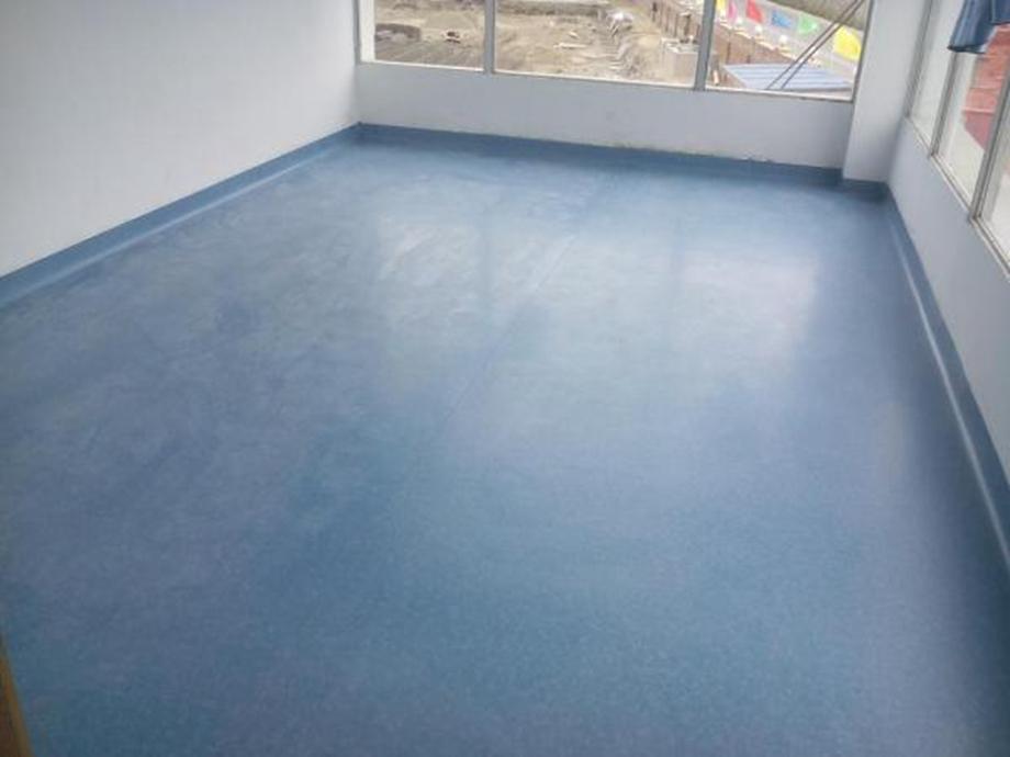 防滑胶地板哪些特点 防滑胶地板的结构有哪些