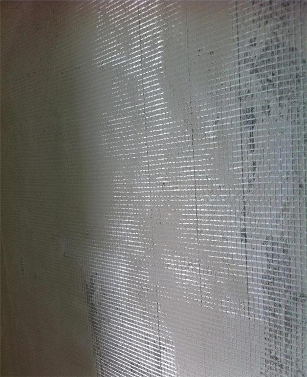 装修时墙挂什么网不裂?