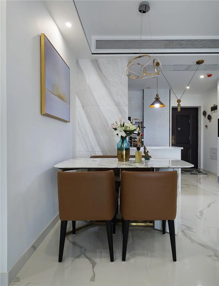 陕西西安装修案例89㎡现代简约风,黑白金基调更加酷劲时尚!