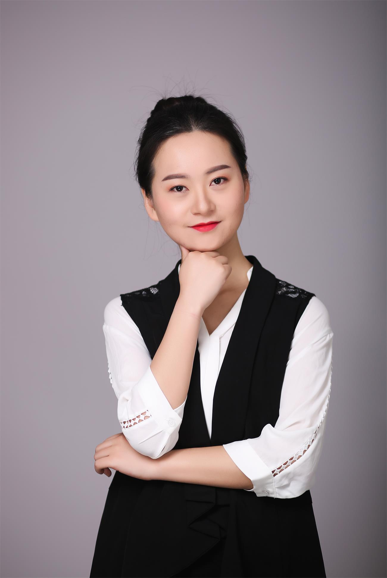 新万博manbetx下载万博maxbet官网下载设计师汤颖