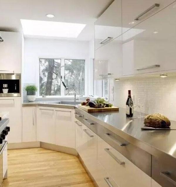家庭装修中橱柜台面用什么材料好?