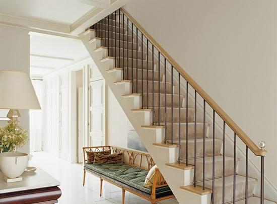 云南滇轩装饰工程有限公司关于楼梯设计注意的事项